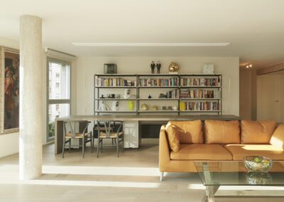 APPARTMENT FOR AN ART COLLECTOR